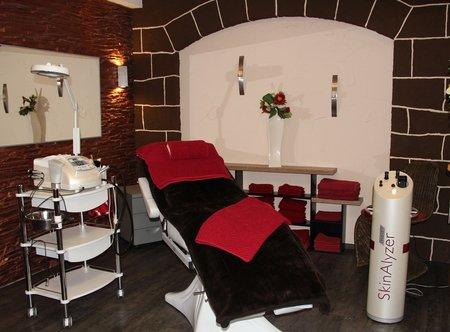 Kosmetik Behandlung / Microdermabrasion